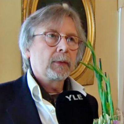 Juhani Lindholm.