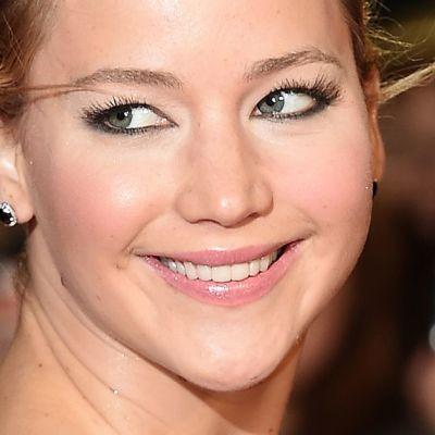 Lähikuva Jennifer Lawrencesista.