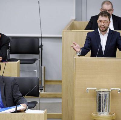 SDP:s riksdagsledamot Timo Harakka i riksdagen den 7 oktober 2015.
