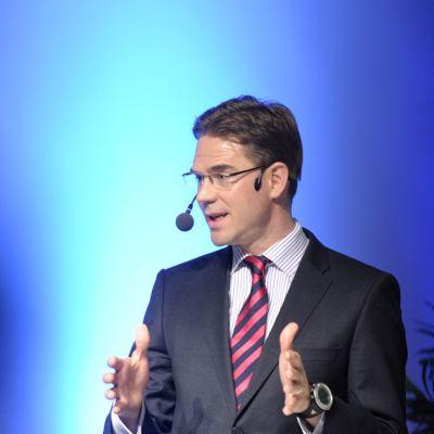 Jyrki Katainen puhuu Suomi muuttuvassa Euroopassa -keskustelutilaisuudessa Helsingissä tiistaina 26. maaliskuuta 2013.