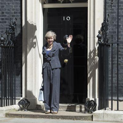 Theresa May Downing Street 10:n rappusilla.
