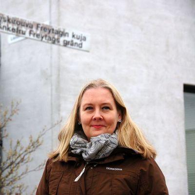 Kristina Freytag oli voimakas viikkiläinen nainen, joka eli 1600-luvulla ja oli ratsumestari Gerd Skytten leski. Hän taisteli voimakkaasti omien tilustensa puolesta kirjoittamalla muun muassa kirjeitä kuningatar Kristiinalle. Tmän vuoksi Viikistä löytyy Leskirouva Freytagin kuja, kertoo nimistönsuunnittelija Johanna Lehtonen.