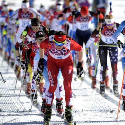 Naisten hiihto vauhdissa Sotshissa