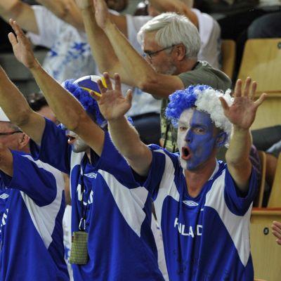 Finska fans vid volleyboll-EM