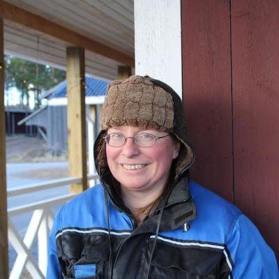 Kuvassa marjatilan emäntä Tiina Harrinkari.