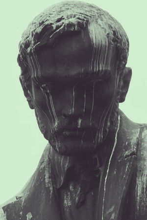 Staty av Aleksis Kivi.