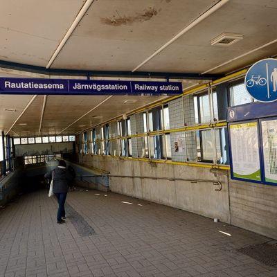 Tågstationen i Mosabacka.