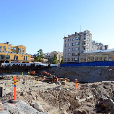 Pietarsaaressa entisen pankkitalon kohdalla on suuri rakennusmonttu
