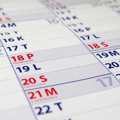 Pitkäperjantai ja Pääsiäinen kalenterissa vuonna 2014.