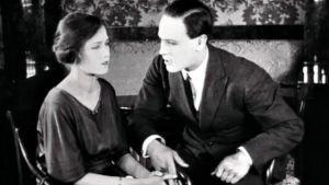 Rakkauden kaikkivalta on Konrad Tallrothin vuonna 1922 ohjaama kotimainen mykkäelokuva.