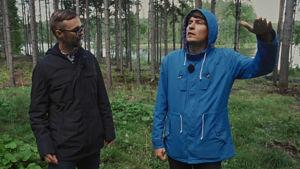 """Arkitekt Ville Hara och Kasper Strömman, programledare för """"Stugor""""."""