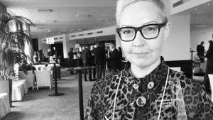 Mirette Kangas palkittiin Ylen ketterän verkkojohtamisen mallista