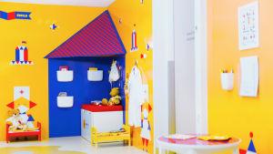 en pysselhörna för barn på ett sjukhus