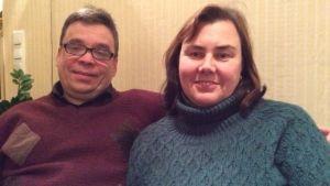 Viveka och Hans Rabehl i soffan