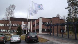 Vid Det blev ingen stor utmarsch genom Wärtsiläs kontorsport i Runsor,