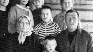 Lilla Paavo och hans familj.