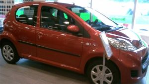 Bil med låga koldioxidutsläpp