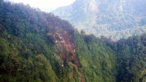 Flygbilder av kraschplatsen i bergen