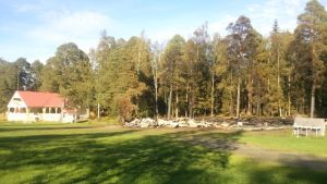 Resterna av FBK-paviljongen i Gamla hamn i Jakobstad.