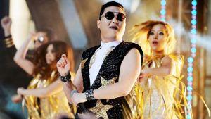 Psy framför Gangnam Style