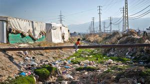 Syrisk flyktingflicka i Fayda i Libanon