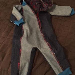 Sparkdräkt av gamla jeans