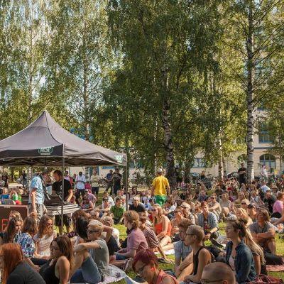Elojazzit kansoittivat  Åströmin puiston vuonna 2014