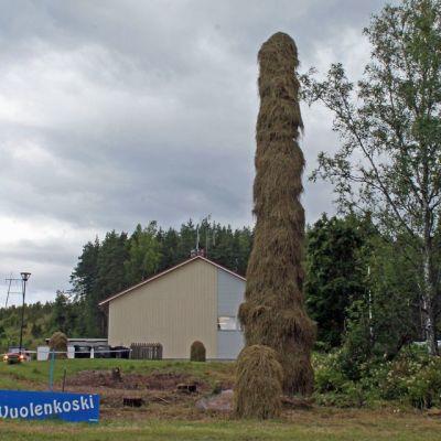 Maailman suurin heinäseiväs on 15,03 metriä korkea