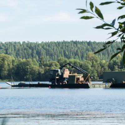 Puolustusvoimien kalustoa Kuopiossa.