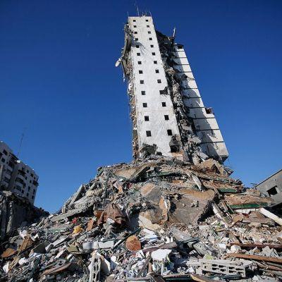 Israelin pommituksessatuhoutunut talo Gazassa.