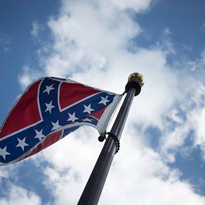 etelävaltioiden lippu salossa.
