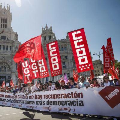 Ammattiliittojen järjestämä marssi Madridissa, Espanjassa, 1. toukokuuta.