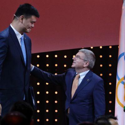 Koripallo, Kiina, MM-kisaisännyys, Yao Ming ja FIBA President Thomas Bach