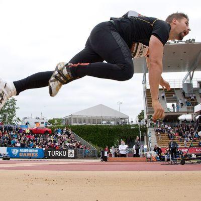 Antti Ruuskanen heitti Turun Paavo Nurmi Gamesissa 2015 neljänneksi.