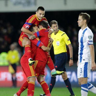 Romania juhlii 2-0