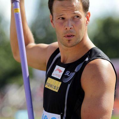 Tero Pitkämäki kuvassa