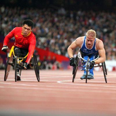 Leo-Pekka Tähti 400 metrin alkuerässä