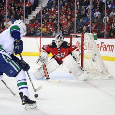 Calgary Flamesin suomalaisvahti torjui Canucksia vastaan 28 laukausta.