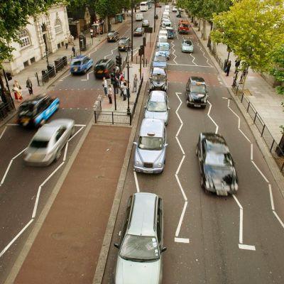 Liikennettä Lontoossa, Englannissa.