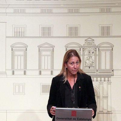 Katalonian varapresidentti Neus Munte tiedotustilaisuudessa Barcelonassa keskiviikkona.
