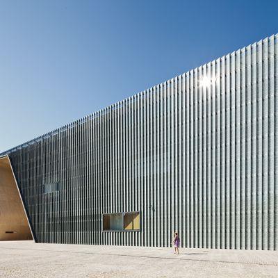 Puolanjuutalaisten historian museo Varsovassa.