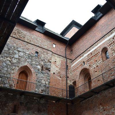 Hämeen linnan sisäpiha