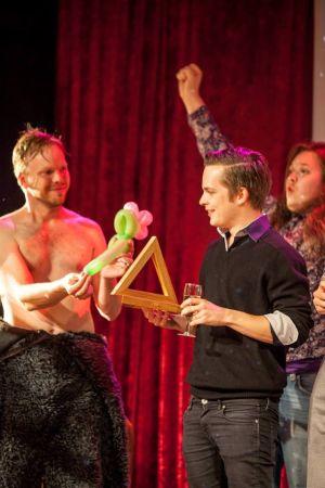 Sakari Lerkkanen voitti Oulun musiikkivideofestivaalien 2014 pääpalkinnon