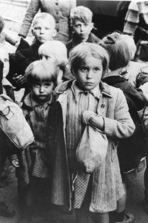 barn efter andra världskriget. Ängsliga blickar