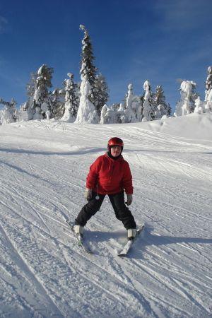 Ida-Lotta i slalombacken.