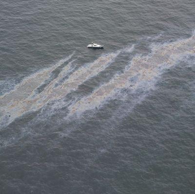 Oljeläcka utanför Gotska Sandön