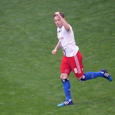 Ivica Olic tuulettaa