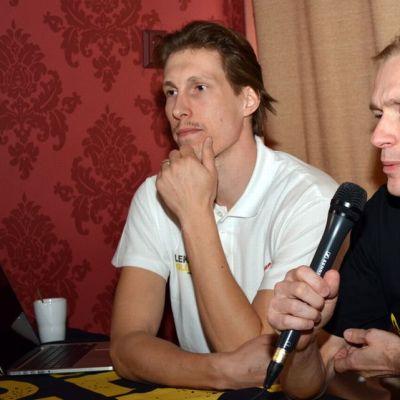 Timo Tolvanen kertoi siirtymisestään Leka Volleyn riveihin tiedotustilaisuudessa.