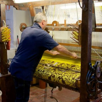 Firenzeläinen Stefano Riccin omistama silkkitehdas.