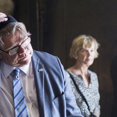 Ministeri Timo Soini Yad Vashem -holokaustimuseossa Jerusalemissa 1. kesäkuuta 2016.
